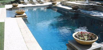 Benefits of Using Professional Pool Cleaning Services