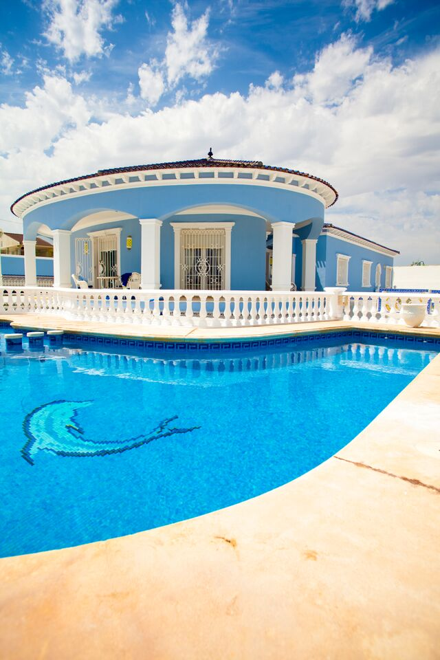 Want to make your pool look epic add a design to the for Pool design fort lauderdale